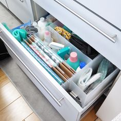 Dresser Drawer Organization, Small Room Organization, Medicine Organization, Office Organization At Work, Storage Cabinets, Organization Hacks, Organizing, Home Storage Solutions, Storage Hacks