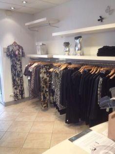 Afbeeldingsresultaat voor interieur kledingwinkel | idee winkel ...