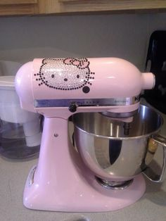 Hello Kitty KitchenAid - I need one for my future kitchen Hello Kitty Kitchen, Hello Kitty House, Hello Kitty Items, Sanrio Hello Kitty, Here Kitty Kitty, Hello Kitty Imagenes, Miss Kitty, Hello Kitty Collection, Kitchen Aid Mixer