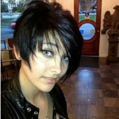 Paris Jackson- I need to be her!! she is just amazing!! her hair and her clothes and ahhh its just too much!!! #WCW <--one day late #sorrynotsorry
