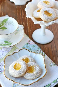 ❤❤❤ Copyrights unknown. Lemon thumbprint cookies from Glorious Treats Blog.