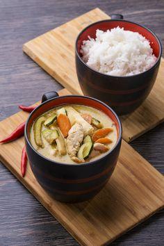 Keng Kio Wan // thai zöld curry, bambusz, bazsalikom, kókusztej, gomba, rizs, paprika, hagyma, cukkini, thai szósz, csirke