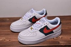 premium selection e0fbf def3c Custom Gucci x Nike Air Force 1 Low Red and Green Stripes Nike Af1, Green