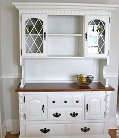 Love the molding on top of hutch