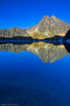 Backpacking in Washington - Lake Ingalls and Mount Stuart.