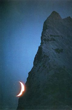 Crescent moon and unnamed peak, Savoia Glacier, Karakoram (Pakistan, Galen & Barbara Rowell, Mountain Light Moon Moon, Moon Rise, Blue Moon, Moon Phases, Moon Shadow, Shoot The Moon, Good Night Moon, Night Time, Moon Magic
