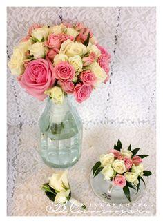 Romanttinen ruusukimppu