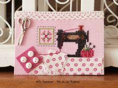 101467639 Mini Cross Stitch, Cross Stitch Samplers, Cross Stitch Embroidery, Cross Stitch Patterns, Stitches Wow, Art Postal, Sewing Crafts, Diy Crafts, Art Trading Cards