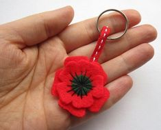 Small Poppy Keyring, Felt Flower, Remembrance Day Poppy, Poppy Appeal – My All Pin Page Wreath Crafts, Flower Crafts, Felt Crafts, Fabric Crafts, Remembrance Day Activities, Remembrance Day Poppy, Poppy Craft For Kids, Crafts For Kids, Children Crafts