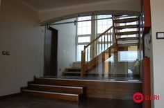 Sklenená stena s posuvnými dverami Stairs, Home Decor, Stairway, Decoration Home, Room Decor, Staircases, Home Interior Design, Ladders, Home Decoration