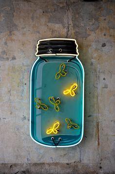 Neon light | Inspiratie | Combinatie licht uit/aan