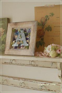 【生徒さんの作品】好きな文字をえらんだら・・・ Frame, Flowers, Decor, Picture Frame, Decoration, Decorating, Frames, Royal Icing Flowers, Flower