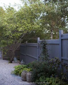 Small Space Gardening, Garden Spaces, Herb Garden, Home And Garden, Inside Outside, Plank, Backyard Fences, Summer Garden, Garden Inspiration