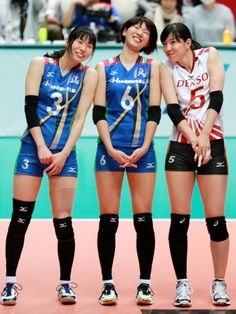 Female Volleyball Players, Beautiful Athletes, Sports Uniforms, Dynamic Poses, Beach Volleyball, People Photography, Athletic Women, Female Athletes, Beautiful Asian Girls