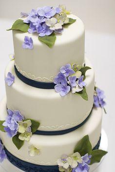 Hyrdrangea Wedding Cake by studiocake, via Flickr