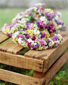 """Coroas de flores, encomenda a tua :) 🌺🌸🌻medieval!! #coroas #coroa #coroadeflores #crowns #flowers #head #sardas #cabelo #hair #organizacaodeeventos #organizadordeeventos #evento #eventplanner #weddingdream #weddingstyle"" by @__packote__.  #bride #weddingday #weddingdress #weddingphotography #bridal #weddinginspiration #weddingphotographer #groom #свадьба #instawedding #casamento #engagement #marriage #невеста #weddingphoto #engaged #prewedding #theknot #noiva #bridesmaids #brides…"