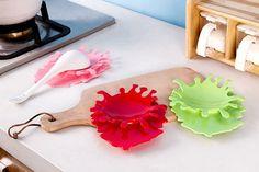 Creative Trendy Style Splattering Blood Kitchen Spoon Holder Tomato Sauce Spoon Rest Tool -- BuyinCoins.com