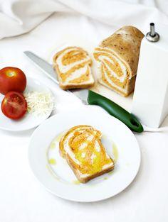 CocinandoconCatMan.com: Pan de Tomate y Queso (el pan colchonero)