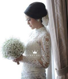 @wickkyhalim_mua   #makeup #makeupbeauty #bride #wedding #dress #weddingdress #makeupartist #whitedress #flawless #kebaya