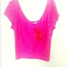 Crop top A pink crop top you can use on summer with some denims shorts. Tops Crop Tops