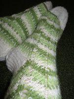 Heivatut kudelmat: Polvekeraitasukat Knitting Socks, Knit Socks