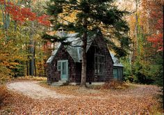 bluepueblo:  Artist Cottage, New Hampshire photo via carly