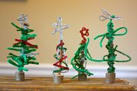 Pipe Cleaner Christmas Trees... - Buzzmills #DIY-Crafts