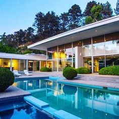 Soulmate24.com Exquisite Renovated Mid-Century Masterpiece. ⠀ Architect: robert skinner… #california #losangeles #beverlyhills Mens Style