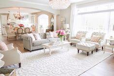 50 Inspiring Shabby Chic Living Room Ideas on a Budget - pria rumahan Shabby Chic Kitchen Decor, Shabby Chic Living Room, Shabby Chic Homes, Home Living Room, Living Room Designs, Living Room Decor, Modern Shabby Chic, Bedroom Decor, Vintage Glam