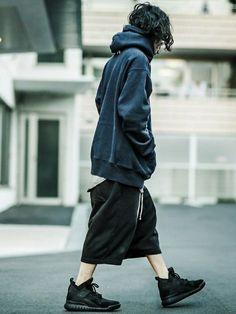 Korean Fashion – How to Dress up Korean Style – Designer Fashion Tips Fashion Outfits, Womens Fashion, Fashion Tips, Fashion Design, Streetwear, Cyberpunk Fashion, Korean Fashion Trends, Estilo Retro, Poses
