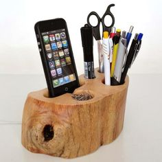 iPhone dock + Office Organizer (iPhone iPhone 5 charging station from rustic wood + pen holder / paper clips Holder.) - unique gift - The Best 31 Helpful Tips and DIY Ideas For Quality Office Organisation – ArchitectureArtDe… - Office Organisation, Desk Organization Diy, Diy Desk, Wood Pen Holder, Pen Holders, Into The Woods, Wood Projects, Woodworking Projects, Woodworking Lessons