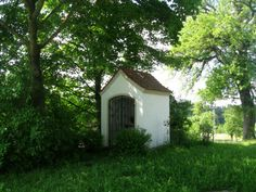 Bildergebnis für kleine kapelle Shed, Outdoor Structures, Pictures, Lean To Shed, Coops, Barns, Sheds, Tool Storage, Barn