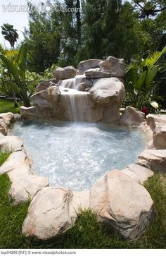 jacuzzi for the back yard | Backyard jacuzzi with waterfall