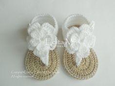 Crochet sandales bébé, sandales gladiateur pour bébé, chaussons pour bébé, chaussures bébé, livraison gratuite UK, 9-12 mois, idée de cadeau de bébé, blanche, beige, bébé fille