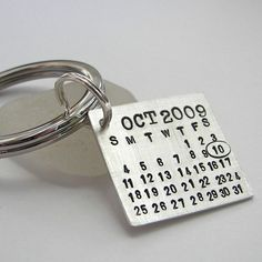 Grooms keychain. So he can never forget your anniversary. smart idea.