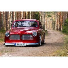 """""""Anders Franzen's @franzendesign 1968 #volvo #amazon we featured a few months back on our site onthegrounddesigns.com. Still one of our favorite builds.…"""""""