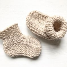 Quick and Easy Knitted Baby Booties Quick&Easy Baby Boots Free Knitting Pattern Quick and Easy Knitt Baby Booties Knitting Pattern, Baby Booties Free Pattern, Love Knitting, Easy Knitting, Knitting Patterns Free, Knitting Baby Girl, Finger Knitting, Knitting For Kids, Knitting Ideas