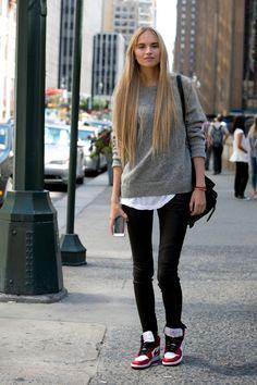 oversized | grey sweater + white tee | black skinnies | kicks