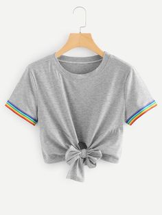 Knot Front Crop Tee -SheIn(Sheinside) Cute Lazy Outfits, Crop Top Outfits, Stylish Outfits, Cool Outfits, Girls Fashion Clothes, Teen Fashion Outfits, Retro Outfits, Kids Outfits, Mode Kawaii