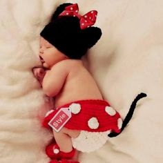 Little minnie mouse-this is adorable i should have done more artsy photos when brendan was a baby!