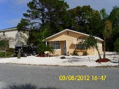 Dreamsicle Beach Cottage.  Close to Beach. Pets. WIFI. K-Cups.