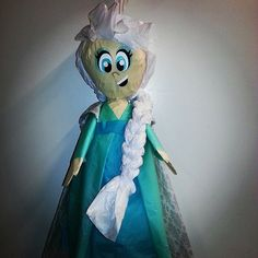 Moving #Frozen Elsa Pinata by PinataMama on Etsy
