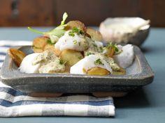 Der vitamin- und mineralstoffreiche Pannfisch mit Senfsauce stärkt die Knochen und schützt Herz und Gefäße.