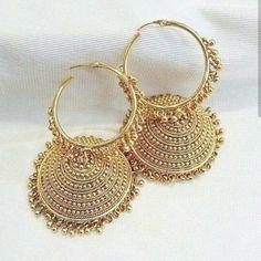 Terracotta Jewellery Near Me long Jewellery Box David Jones off Necklace Organizer For Closet Gold Jhumka Earrings, Indian Jewelry Earrings, Jewelry Design Earrings, Indian Wedding Jewelry, Pendant Jewelry, Bridal Jewelry, Jewelery, Silver Jewelry, Anklet Jewelry