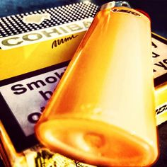 Straight outta Herrenhandtasche. #cohiba #bic #smoke #smoking #cigar #cigarillos #orange #mini #minis #rauchen #feuer #genuss #tobacco #health #healthy #fumari #fuego #ontheroad #onthetable