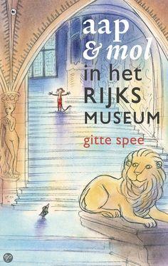 Aap & Mol in het Rijksmuseum - Gitte Spee. Mol graaft een gang en komt bij het Rijksmuseum uit. Gauw haalt hij zijn vriendje Aap op. Samen bekijken ze mooie schilderijen, zoals De Nachtwacht en Het melkmeisje, maar dan komt de suppoost achter hen aan gerend, want ze mogen helemaal niet in het museum zijn! Waar kunnen ze zich verstoppen?