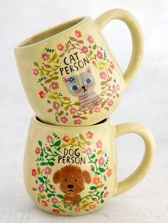 Hand Painted Mugs, Hand Painted Ceramics, Painted Pottery, Cute Coffee Mugs, Tea Mugs, Hand Molding, Cat Mug, Happy Animals, Natural Life