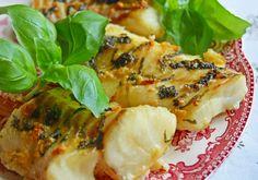 Aromatyczny dorsz w czosnku i bazylii z piekarnika Cooking Recipes, Healthy Recipes, Spanakopita, Grilling, Lunch, Chicken, Ethnic Recipes, Food, Fitness