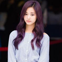 #choutzuyu #chou_tzuyu #쯔위 #tzu #tzuyu #周子瑜 #tzuyutwice #maknae #TWICE #트와이스 #cute #girl Korean Beauty, Asian Beauty, Evil Girl, Japanese Face, Chou Tzu Yu, Tzuyu Twice, Attractive Girls, Girl Day, Prom Hair