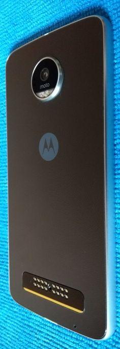 Lenovo Moto Z Play review; smartphone testat cu Moto Mods: http://www.gadgetlab.ro/lenovo-moto-z-play-review-smartphone-testat-cu-moto-mods/